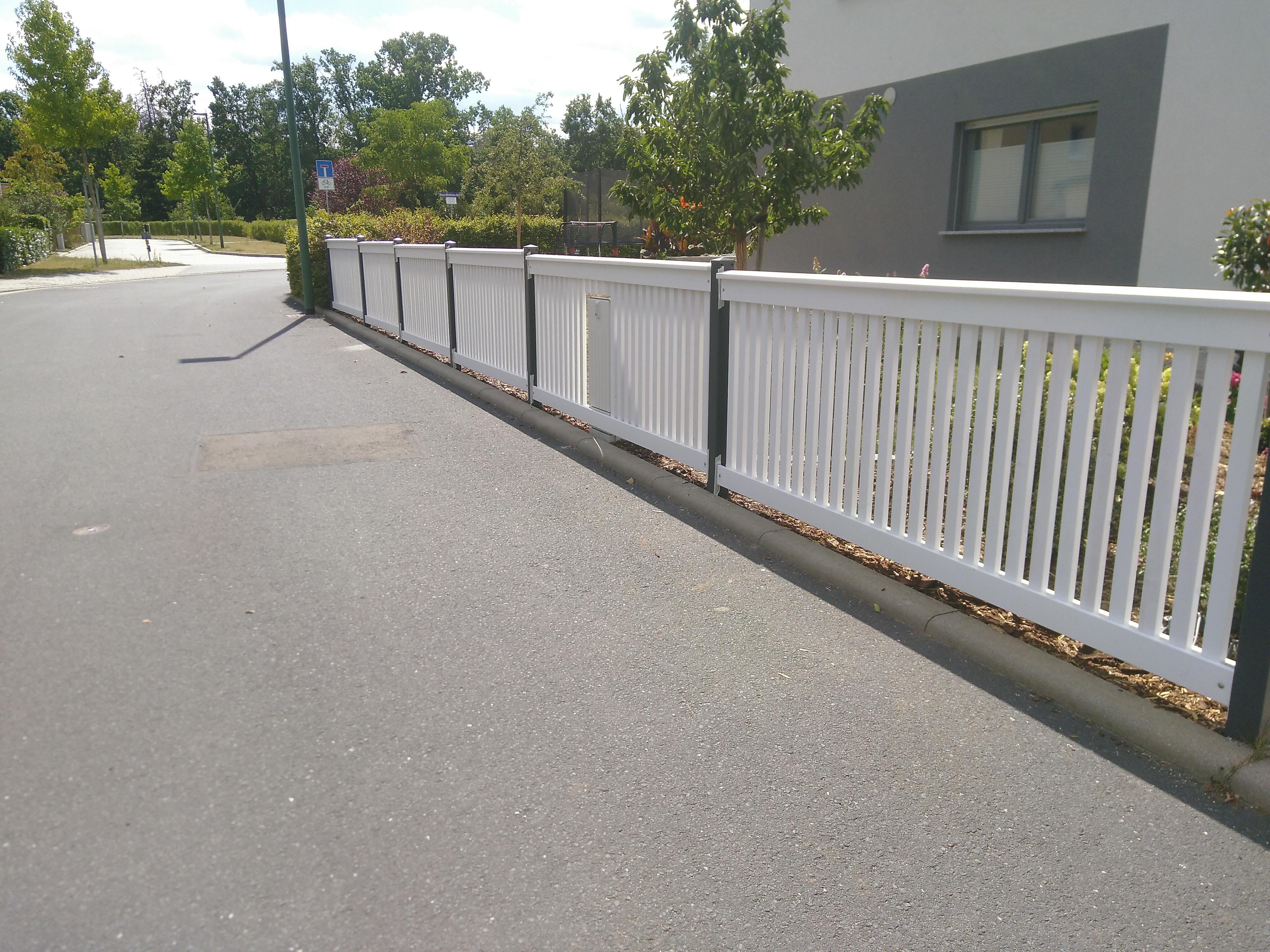 Zaun fertiggestellt